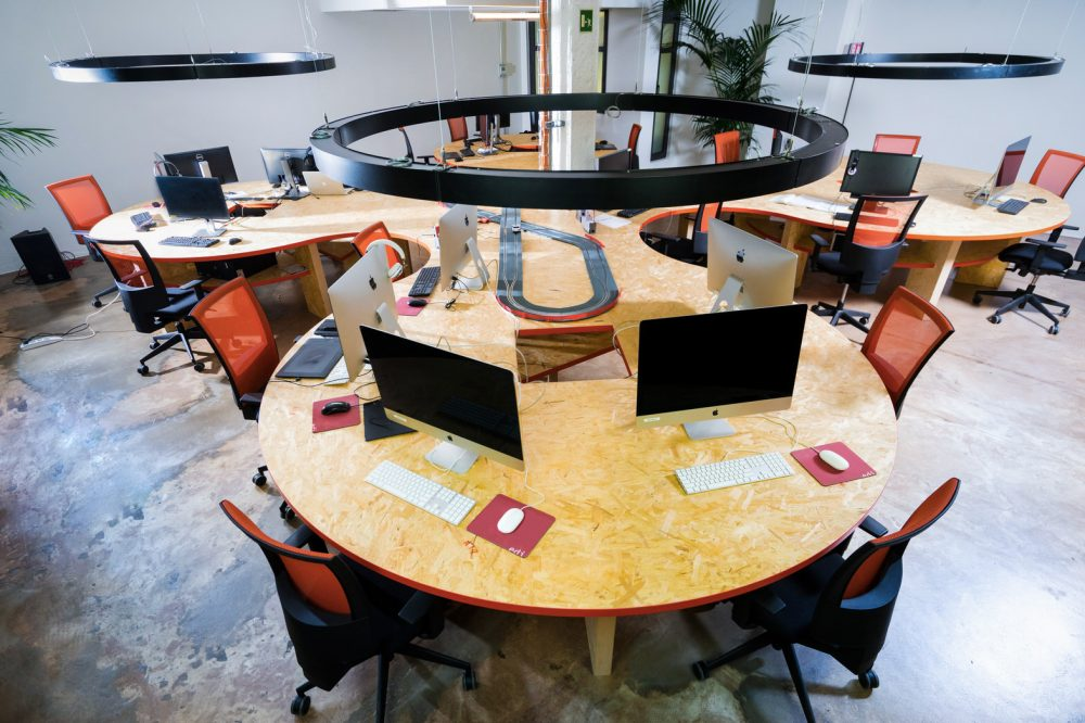ELEMENTS coworking desks